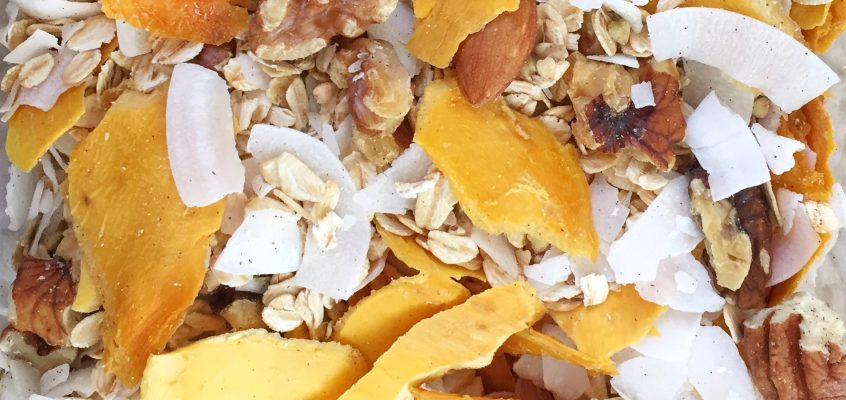 Home-made Tropical Mango & Coconut & Vanilla Muesli