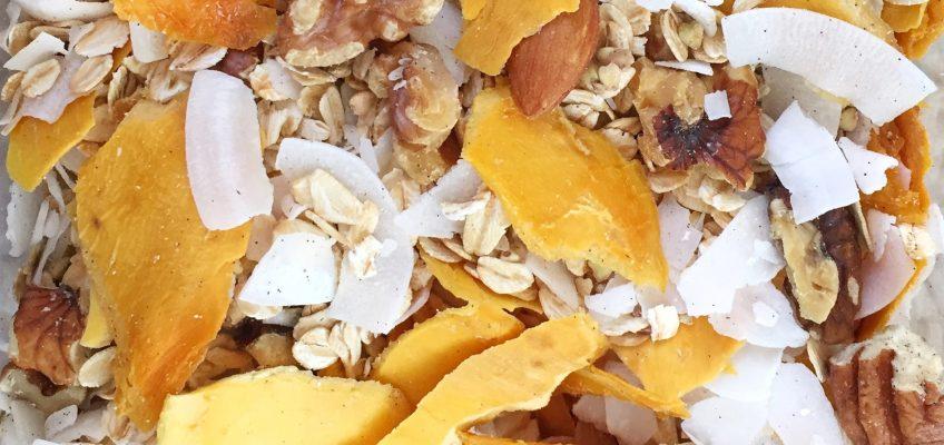 Home-made Tropical Mango & Coconut & Vanilla Muesli