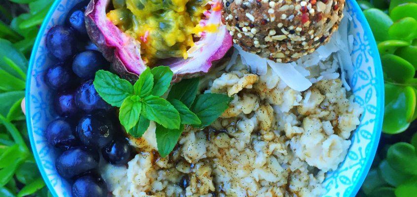 Vanilla Bean Porridge & Vanilla Bliss Balls