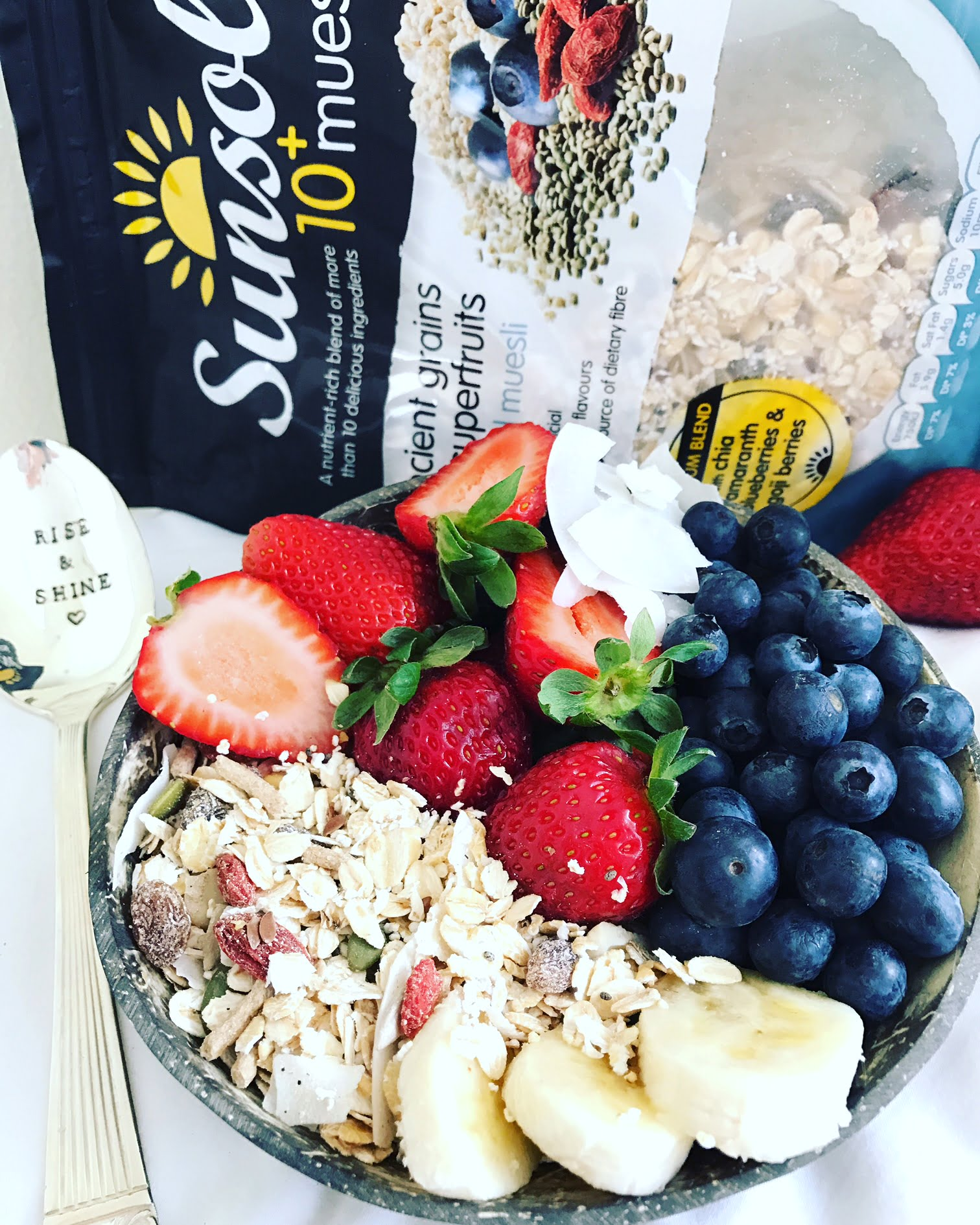 The Supermarket Muesli that's as Healthy as Home-made Versions & My Favourite Ways to Enjoy It